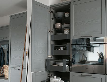Lineadecor  Tall unit with Antaro inner drawers